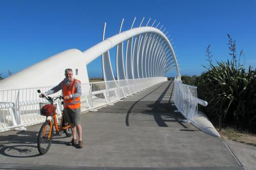 Te Rewa Rewa cycle bridge, New Plymouth